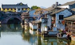 Thổn thức với 8 ngôi làng đẹp huyền bí trên mặt nước tại Trung Quốc